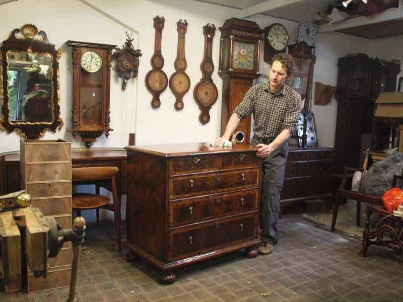 Acquisto mobili antichi a milano modernariato la madonnina for Svendita mobili milano
